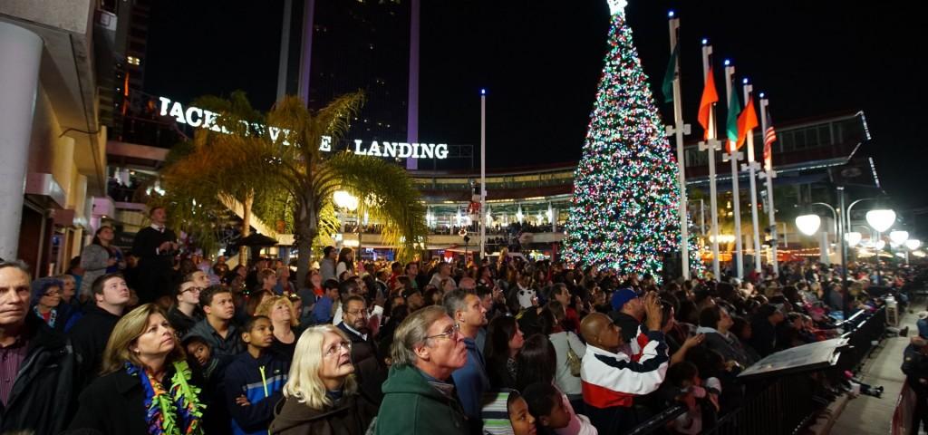 the-landing-christmas-tree